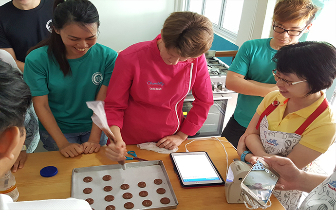 baking course for deafs